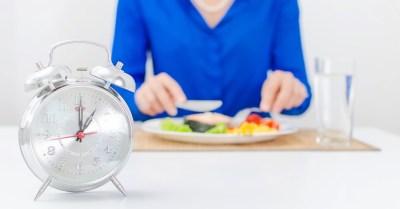 5 dicas para emagrecer: Regula os horários de sua alimentação