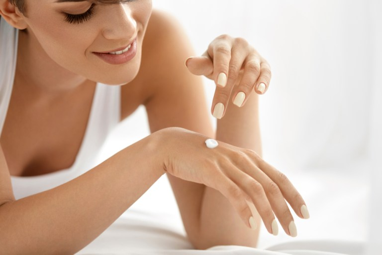 Higienize as mãos: 6 dicas para manter a pele macia