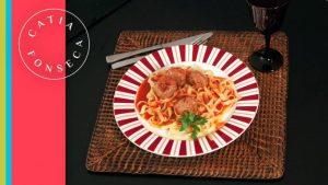 COMO FAZER: Espaguete com Almôndegas