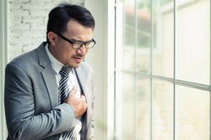 Os sinais que surgem antes do infarto por Dr. Hélio Castello