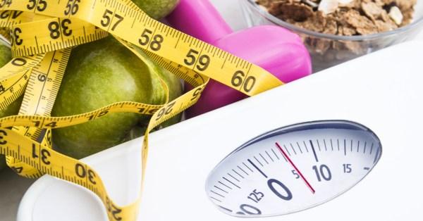Tv Catia Fonseca Cuide da sua saúde Veja como dietas drásticas prejudicam você Fita métrica e balança