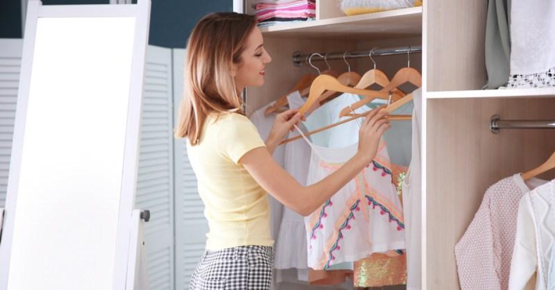 Tv Catia Fonseca moda comprar na liquidação Érica Minchin Olhando o guarda-roupa
