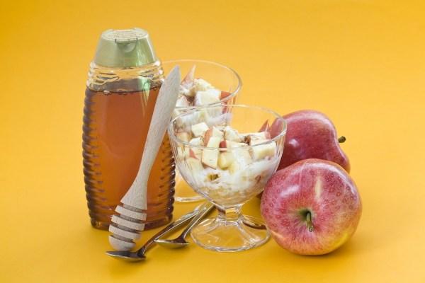 Tv Catia Fonseca receita iogurte natural com maçã cozida no mel