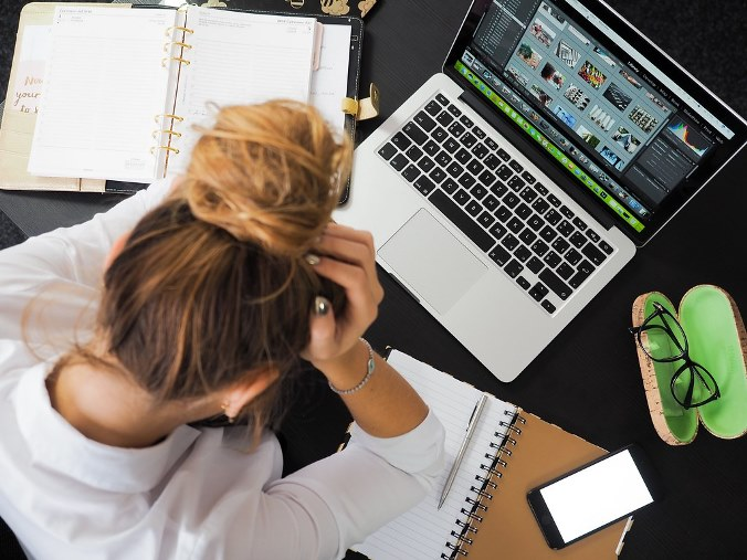 O estresse por conta do trabalho por Denise Giarelli