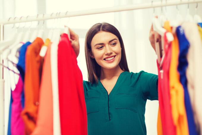 Como aproveitar as novas tendências com o guarda roupa antigo por Sabrina Farias (verao)