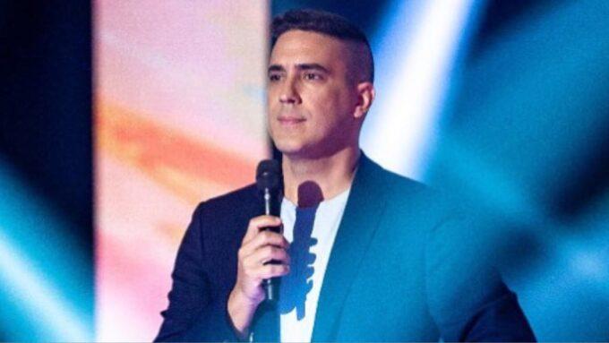 """André Marques, após tentar esconder grande segredo, apresentador da Globo tem intimidade exposta e desabafa: """"Medo"""""""
