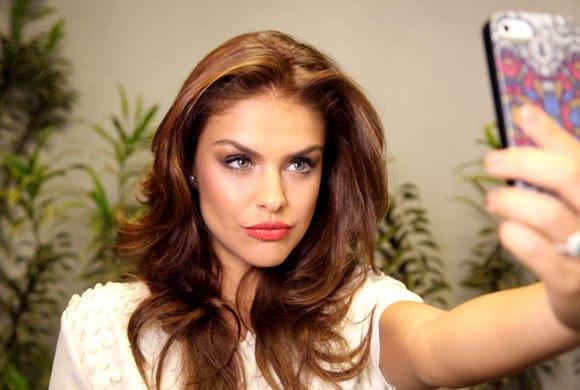 Paloma Bernardi, ex-Globo, surpreende com motivo inusitado que a ajudou a ser atriz e fala sobre trabalho com Xuxa