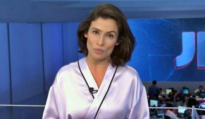 Renata Vasconcellos, jornalista do Jornal Nacional, é flagrada em momento íntimo e foto vai parar na web