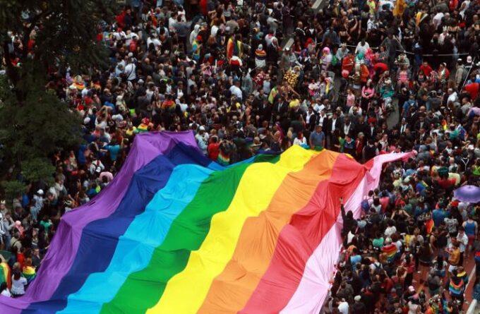Tv Catia Fonseca Passeios em São Paulo no final de semana por Reinaldo Calazans - Parada do Orgulho LGBT+
