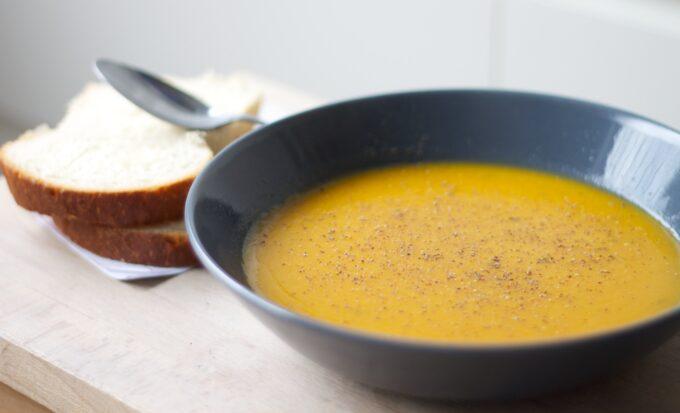 Sopa de mandioquinha por Lais Murta