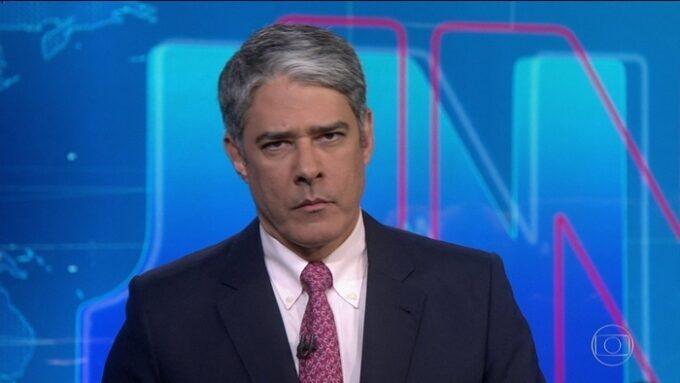 """William Bonner tem casamento em """"crise"""", saída de Jornal Nacional anunciada e verdade sobre a vida dele é dita"""