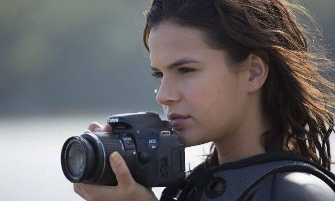 """Bruna Marquezine faz estreia no cinema e desdenha de novelas da Globo: """"Desgastante e pouco satisfatório"""""""