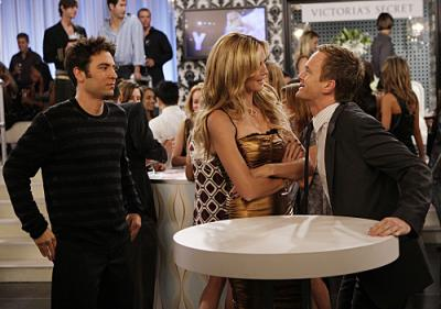 """HOW I MET YOUR MOTHER - Neil Patrick Harris as Barney, Josh Radnor as Ted, and Heidi Klum in """"The Yipes"""""""