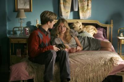 "GOSSIP GIRL - Connor Paolo as Eric van der Woodsen and Taylor Momsen as Jenny Humphrey in ""Blair Waldorf Must Pie"""