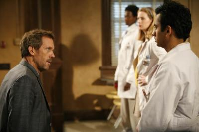 "HOUSE - Hugh Laurie as Dr. Gregory House and Kal Penn as Kutner in ""You Don't Want to Know"""