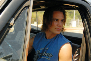 "FRIDAY NIGHT LIGHTS - Taylor Kitsch as Tim Riggins in ""Seeing Other People"""