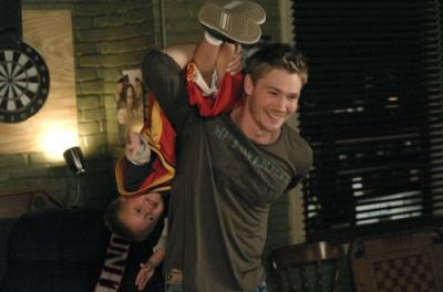 """ONE TREE HILL - Jackson Brundage as Jamie and Chad Michael Murray as Lucas in """"4 Years, 6 Months, 2 Days"""""""
