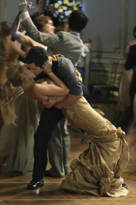 "GOSSIP GIRL - Blake Lively as Serena and Penn Badgley as Dan in ""Hi, Society"""