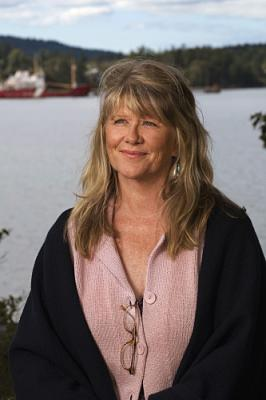 PICTURES OF HOLLIS WOODS - Judith Ivey as Beatrice Gilcrest on CBS