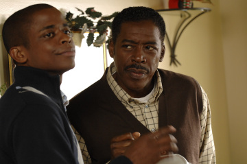 "PSYCH - Dule Hill as Burton ""Gus"" Guster and Ernie Hudson as Mr. Guster in ""Gus' Dad May Have Killed An Old Guy"""