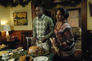 "PSYCH - Dule Hill as Burton ""Gus"" Guster and Phylicia Rashad as Mrs. Guster in ""Gus' Dad May Have Killed An Old Guy"""