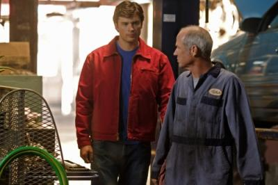 """SMALLVILLE - Tom Welling as Clark Kent and Mark Allen McClure as Dax-Ur / Mechanic in """"Persona"""""""