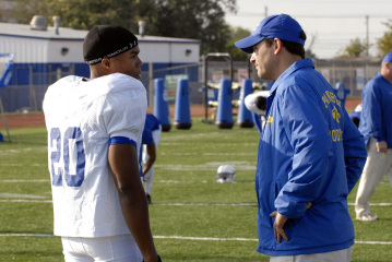 "FRIDAY NIGHT LIGHTS - Gaius Charles as Brian ""Smash"" Williams and Kyle Chandler as Eric Taylor in ""Leave No One Behind"""
