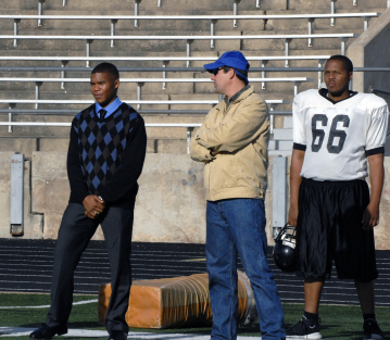 "FRIDAY NIGHT LIGHTS - Gaius Charles as Brian ""Smash"" Williams and Kyle Chandler as Eric Tayor in ""May the Best Man Win"""