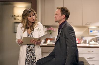 "HOW I MET YOUR MOTHER -  Sarah Chalke as Stella and Neil Patrick Harris as Barney in ""Ten Sessions"""