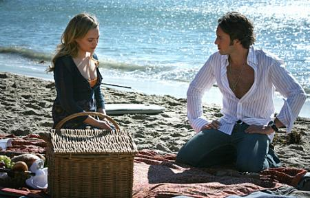 "MOONLIGHT - Sophia Myles as Beth Turner and Alex O'Loughlin as Mick St. John in ""Fated to Pretend"""