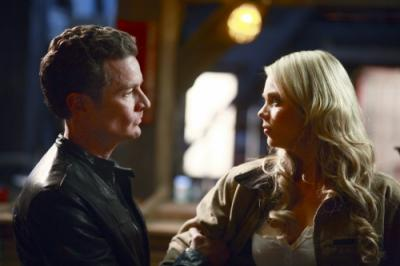 "SMALLVILLE - James Marsters as Brainiac and Laura Vandervoort as Kara in ""Veritas"""