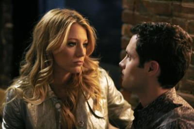 Blake Lively as Serena and Penn Badgley as Dan