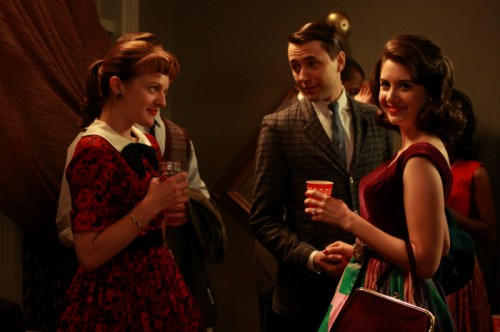 Mad Men - Peggy Olson (Elisabeth Moss), Pete Campbell (Vincent Kartheiser) and Trudy Campbell (Alison Brie)