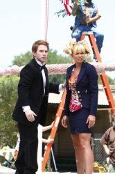 Seth Green as Buddy, Jaime Pressly as Joy