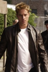 Smallville - Justin Hartley as Oliver Queen
