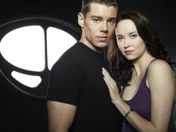 Brian J Smith as Lt. Matthew Scott, Elyse Levesque as Chloe Armstrong