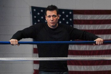 Holt McCallany Lights Out