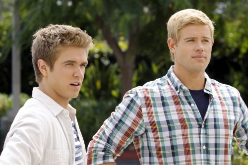 90210 (CW) Catch Me If You Cannon