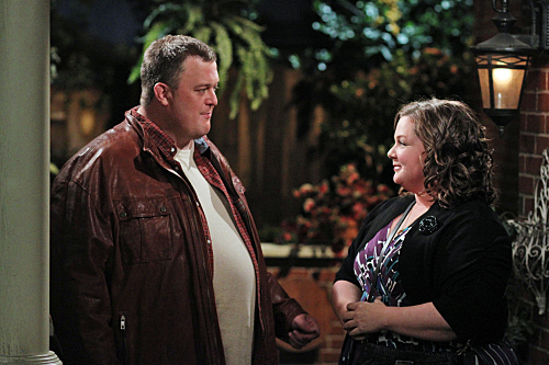 """MIKE & MOLLY """"Mike's Not Ready"""" Episode 4"""