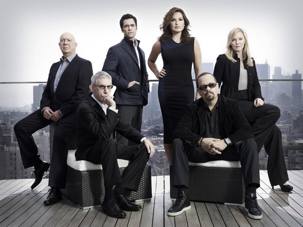 https://i0.wp.com/www.tvequals.com/wp-content/uploads/2011/09/LAW-ORDER-SVU-Season-13-Cast.jpg