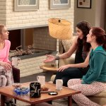 Whitney (NBC) Something Old, Something NewEpisode 21 (6)