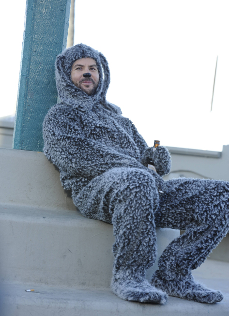 "Wilfred (FX) 2012 Premiere ""Letting Go"""
