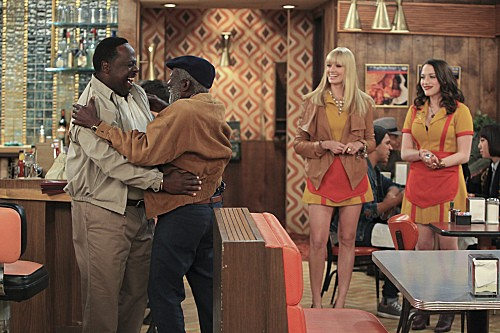 2 Broke Girls Season 2 Episode 5 And The Pre-Approved Credit Card (8)