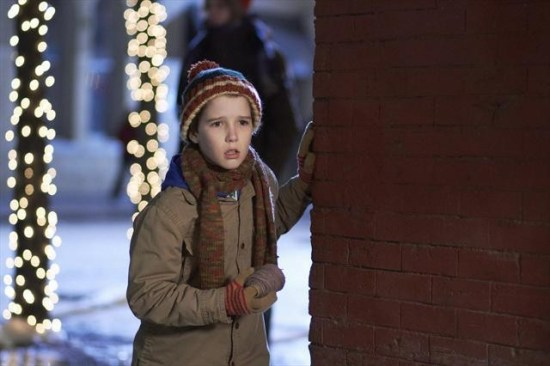 Home Alone: The Holiday Heist (ABC Family) (1)