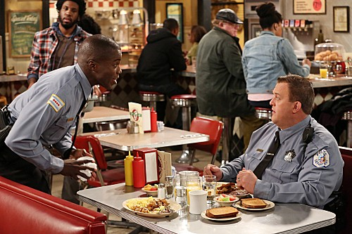 Mike & Molly Season 3 Episode 12 Molly's Birthday (1)