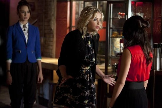 Pretty Little Liars Season 3 Episode 15 Mona-Mania! (2)