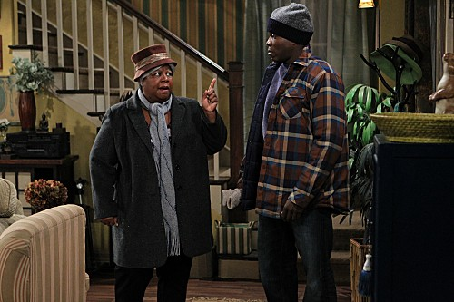 Mike & Molly Season 3 Episode 13 Carl Gets a Roommate (9)