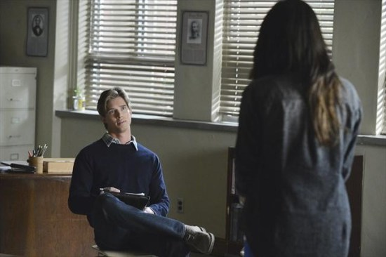 Pretty Little Liars Season 3 Episode 19 What Becomes of the Broken-Hearted (3)