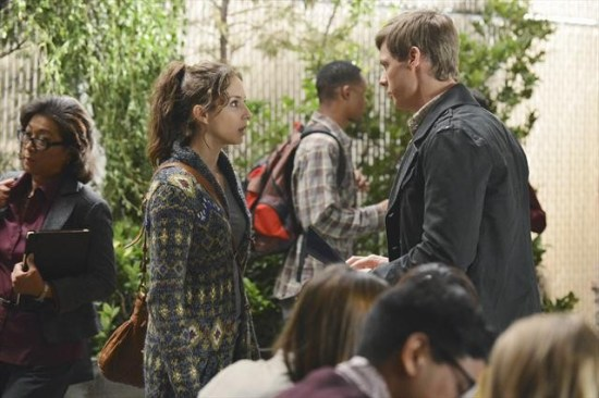 Pretty Little Liars Season 3 Episode 19 What Becomes of the Broken-Hearted (9)