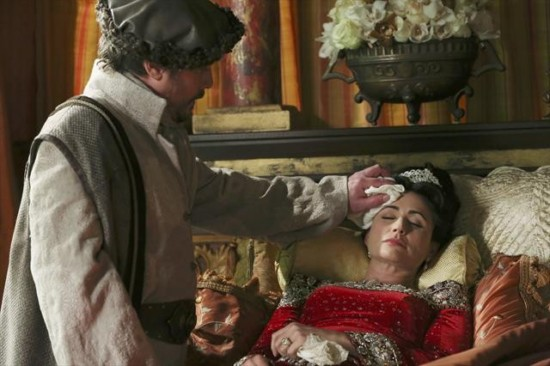 Once Upon a Time Season 2 Episode 15 The Queen is Dead (5)